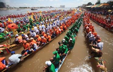 cambodia-rowing